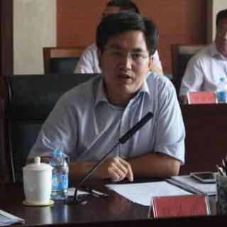 北京平谷区副区长底志欣到大华山镇考察村级温馨家园建设情况
