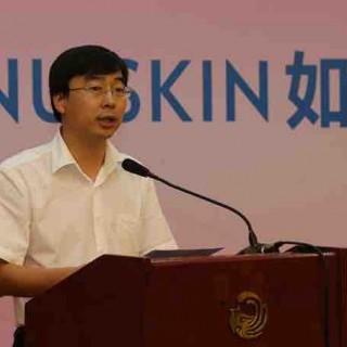 共青团广西区委副书记郑胜景到梧州学院考察并作电商创业讲座
