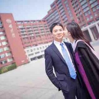奶茶妹妹章泽天恋上的刘强东是个怎样的人?