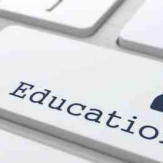 """Education"" Button on Modern Computer Keyboard.在线教育来袭,传统教育还能淡定吗?"