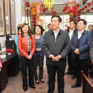孙雪涛在西和县调研强调: 快速推进扶贫攻坚 不断增加群众收入
