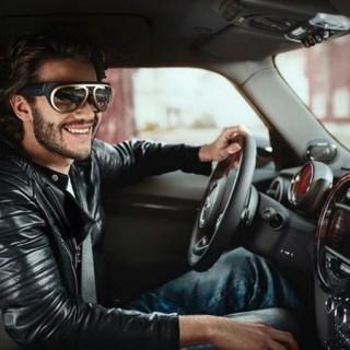 车展上的炫酷科技:增强现实眼镜让你变透视眼