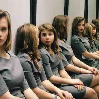 除了辨认有几个女孩外,还有哪些虐眼睛的视觉艺术之美