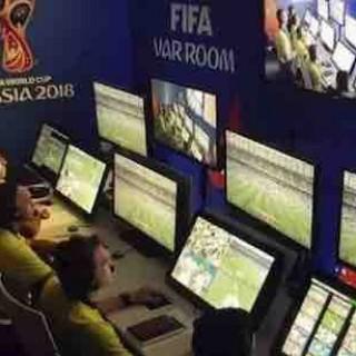 世界杯的赛场不仅有绿茵场、足球和球星,背后还有硬件和软件