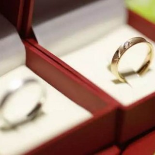 一年香三年醇五年陈:12年前,马云亲手给阿里人戴上一枚戒指